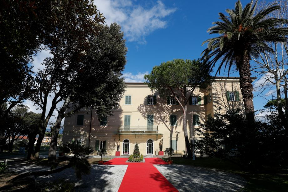 Torna la grande arte a Villa Bertelli