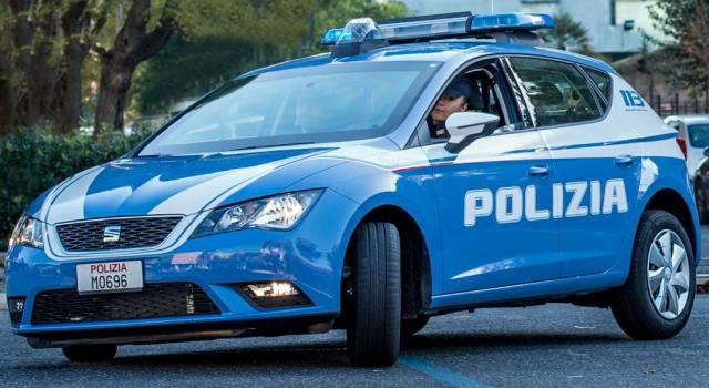 Droga a Capezzano Pianore, la Polizia nota un intenso traffico: denunciato uno spacciatore