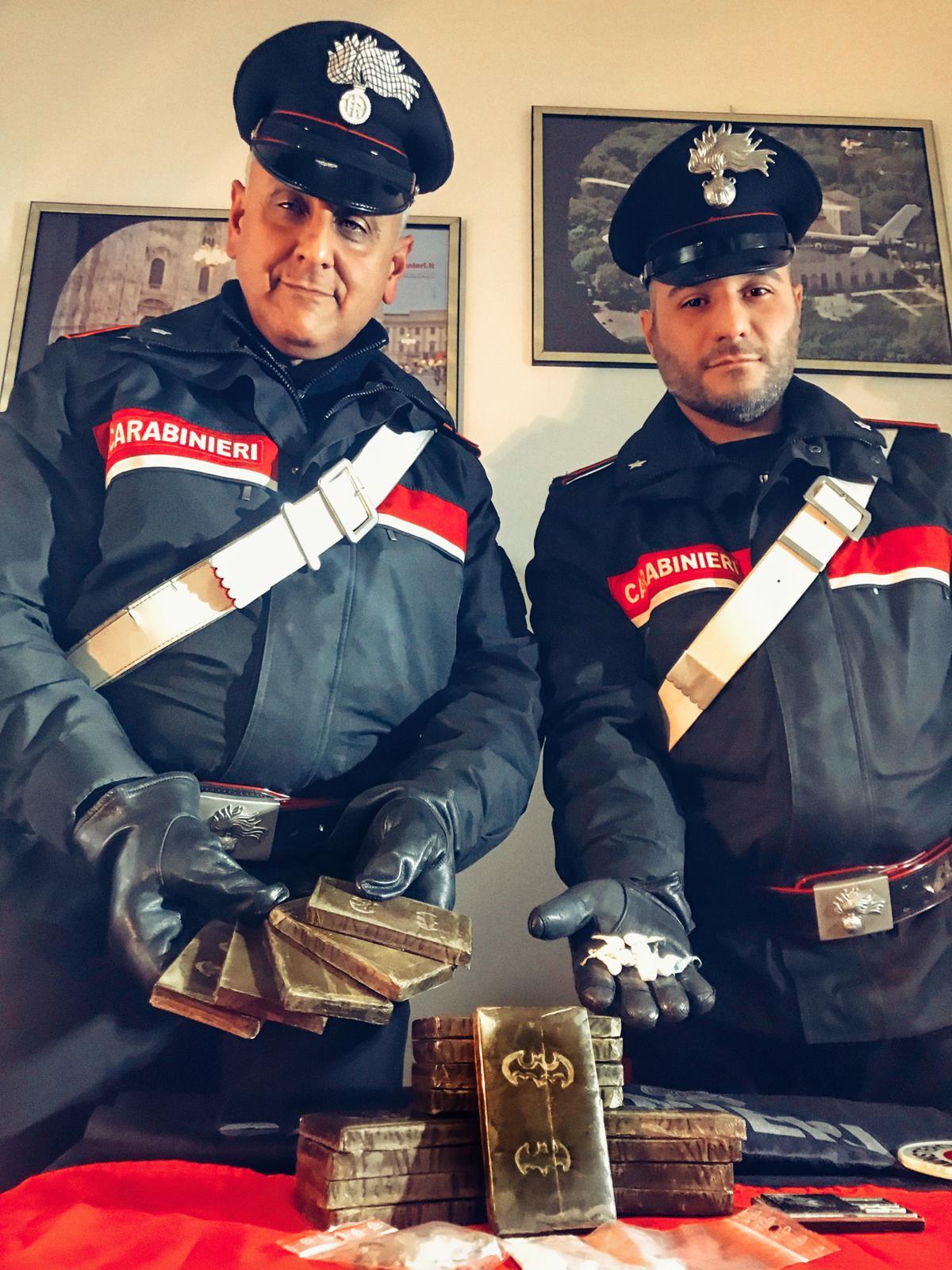 Ai domiciliari insulta i carabinieri per i troppi controlli e finisce in carcere
