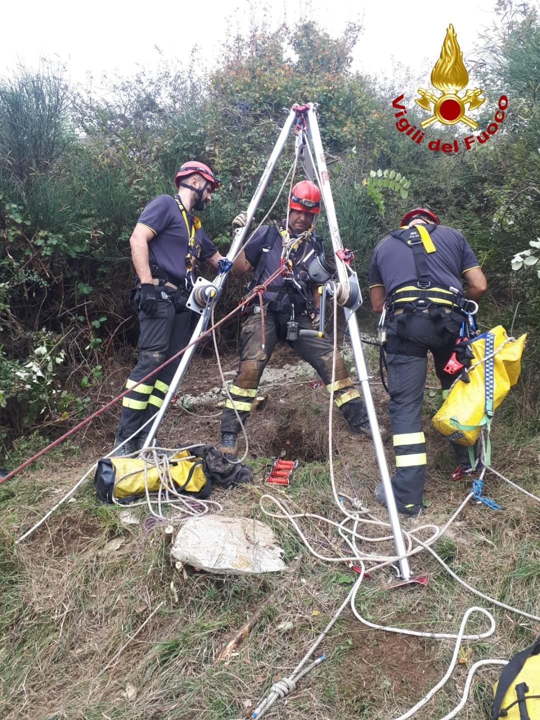 Breton cade in una grotta, salvato dai pompieri