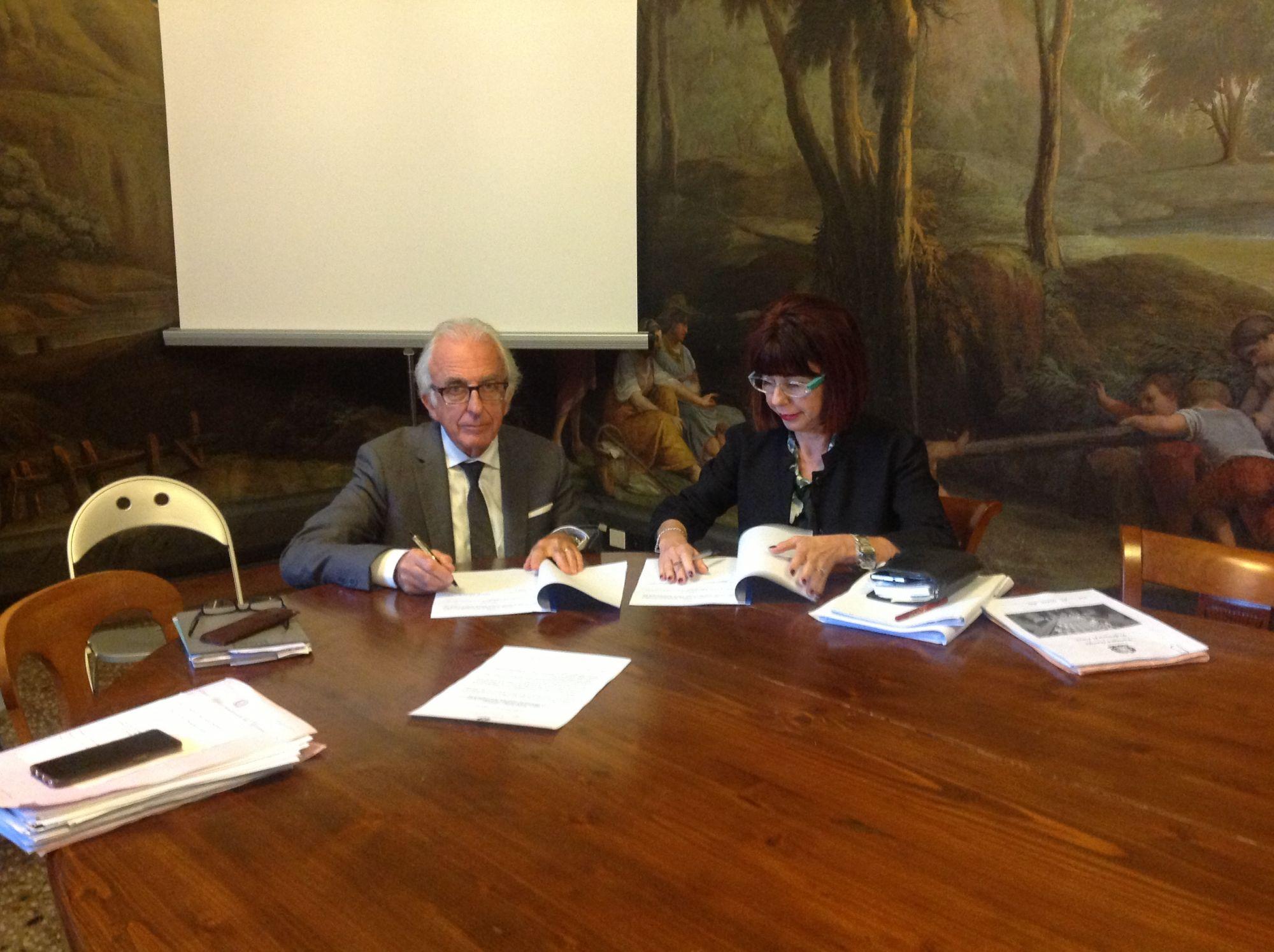 Scuole sicure a Viareggio, firmato il protocollo in Prefettura contro le droghe