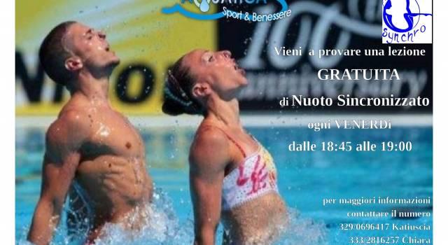 Lezione gratuita di nuoto sincronizzato a Massarosa