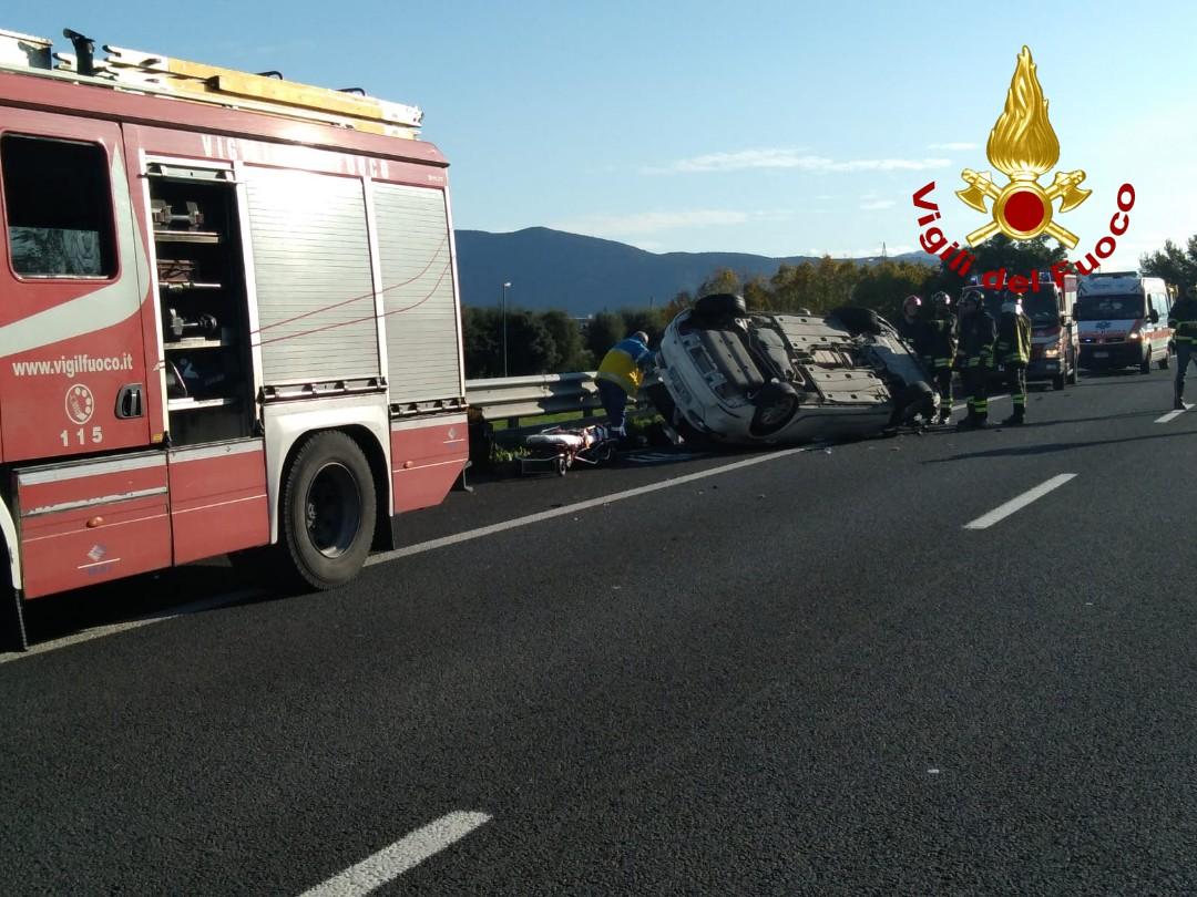 Si ribalta sulla Firenze Mare, code di 6 chilometri in autostrada anche per altri due incidenti