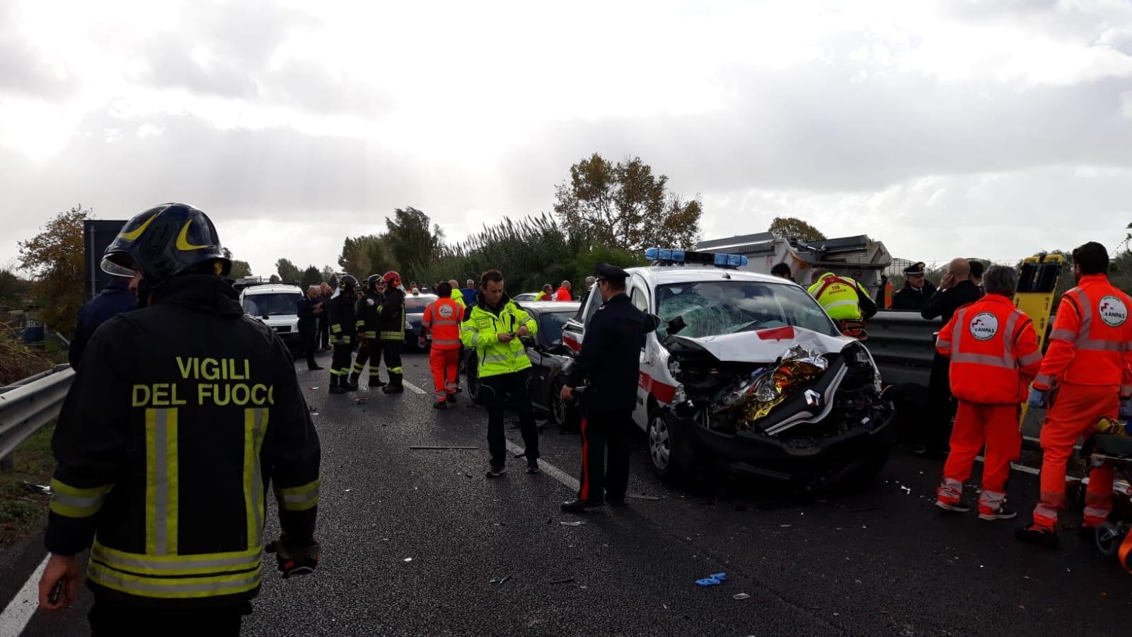 Falciati in superstrada, prognosi riservata per il carabiniere e i due vigili urbani