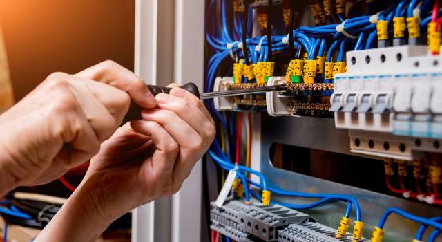 """Aperte le iscrizioni al corso completamente gratuito """"Elettro-data: installazione e manutenzione di impianti per le telecomunicazioni"""""""