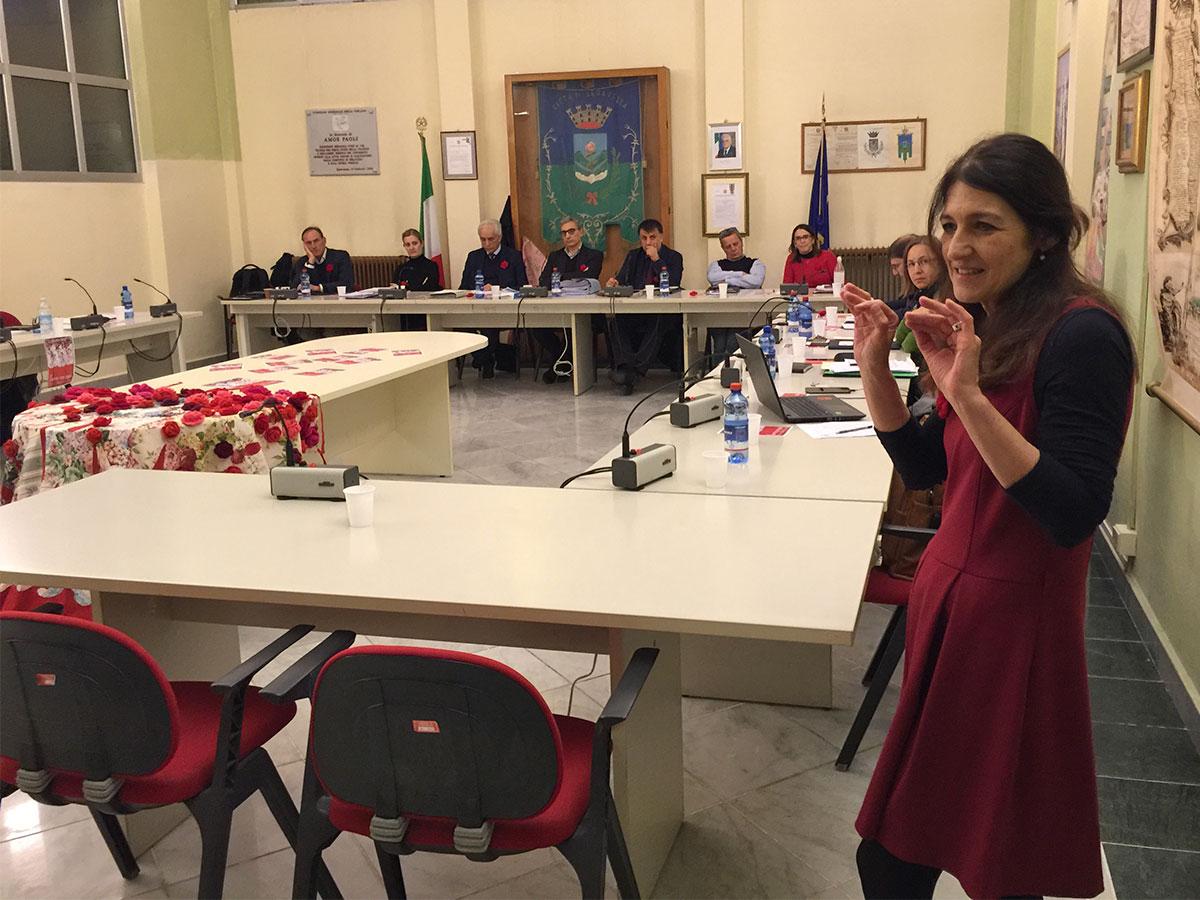Elisabetta Salvatori in Consiglio comunale contro la violenza di genere