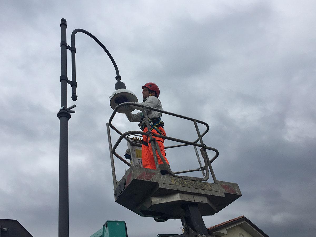 Quasi duemila punti luce stradali a basso consumo entro fine marzo a Seravezza