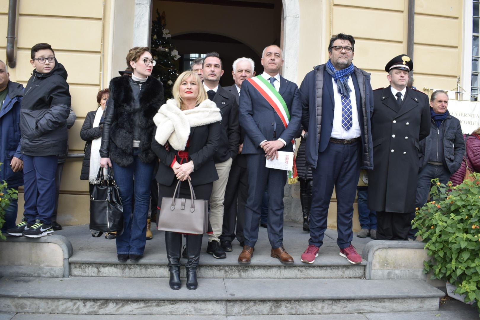 """Sinistra Comune e Massarosa Domani: """"Irritante passerella del sindaco e della maggioranza il primo giorno di scuola2"""