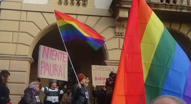 Repubblica Viareggina in piazza ad Altopascio: contro omofobia e discriminazione non si deve tacere