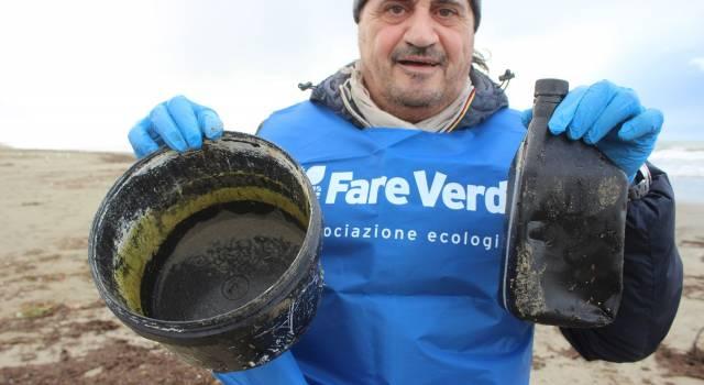 Ambiente, volontari per rendere più bella e pulita la spiaggia