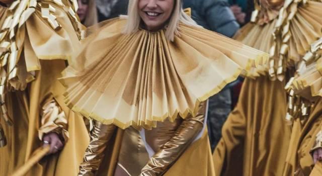 Il Carnevale a Pietrasanta sfila con la miss: le foto di Mirco Trivellato