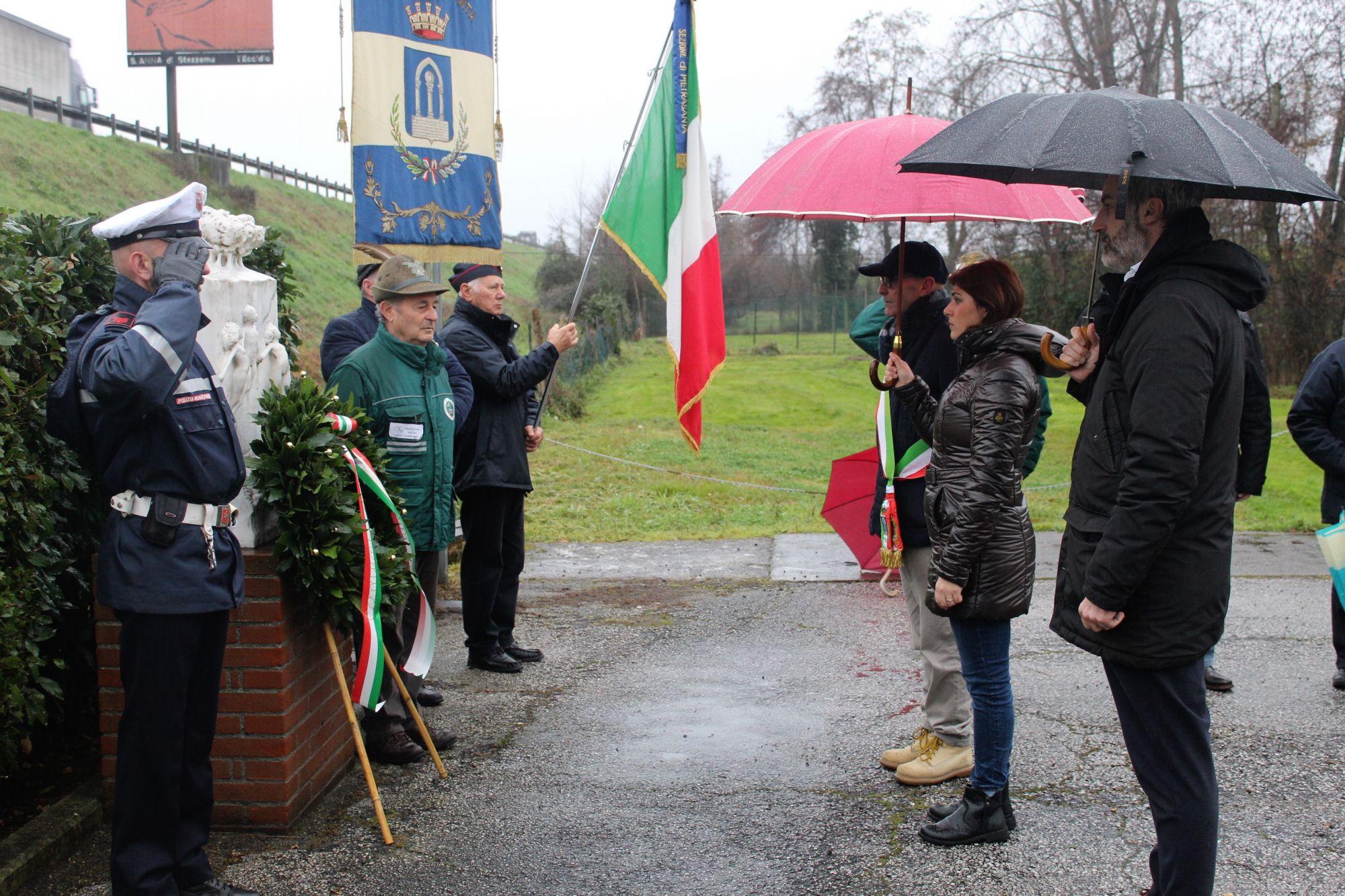 """""""Le foibe sono una sciagura nazionale. Negarle significa negare la storia"""". Pietrasanta ha commemorato le vittime"""