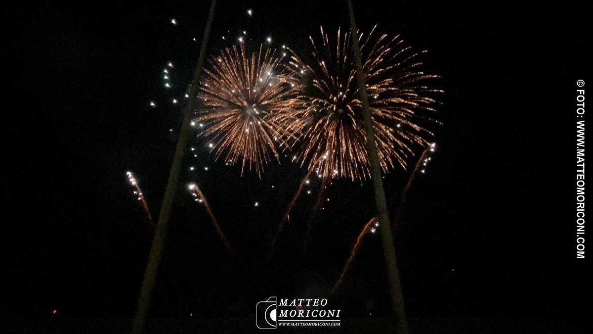 I fuochi d'artificio al Carnevale di Viareggio 2020, le foto di Matteo Moriconi