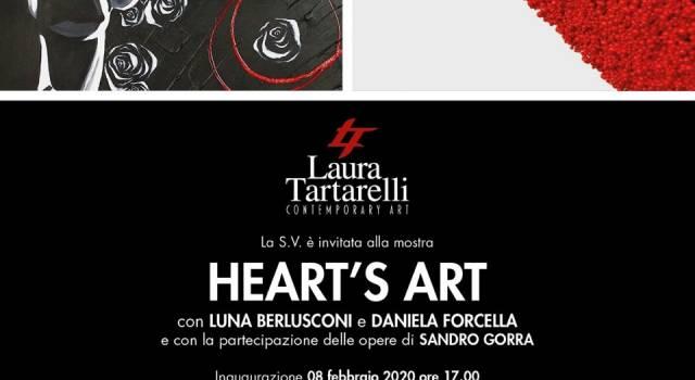 Luna Berlusconi in mostra a Pietrasanta