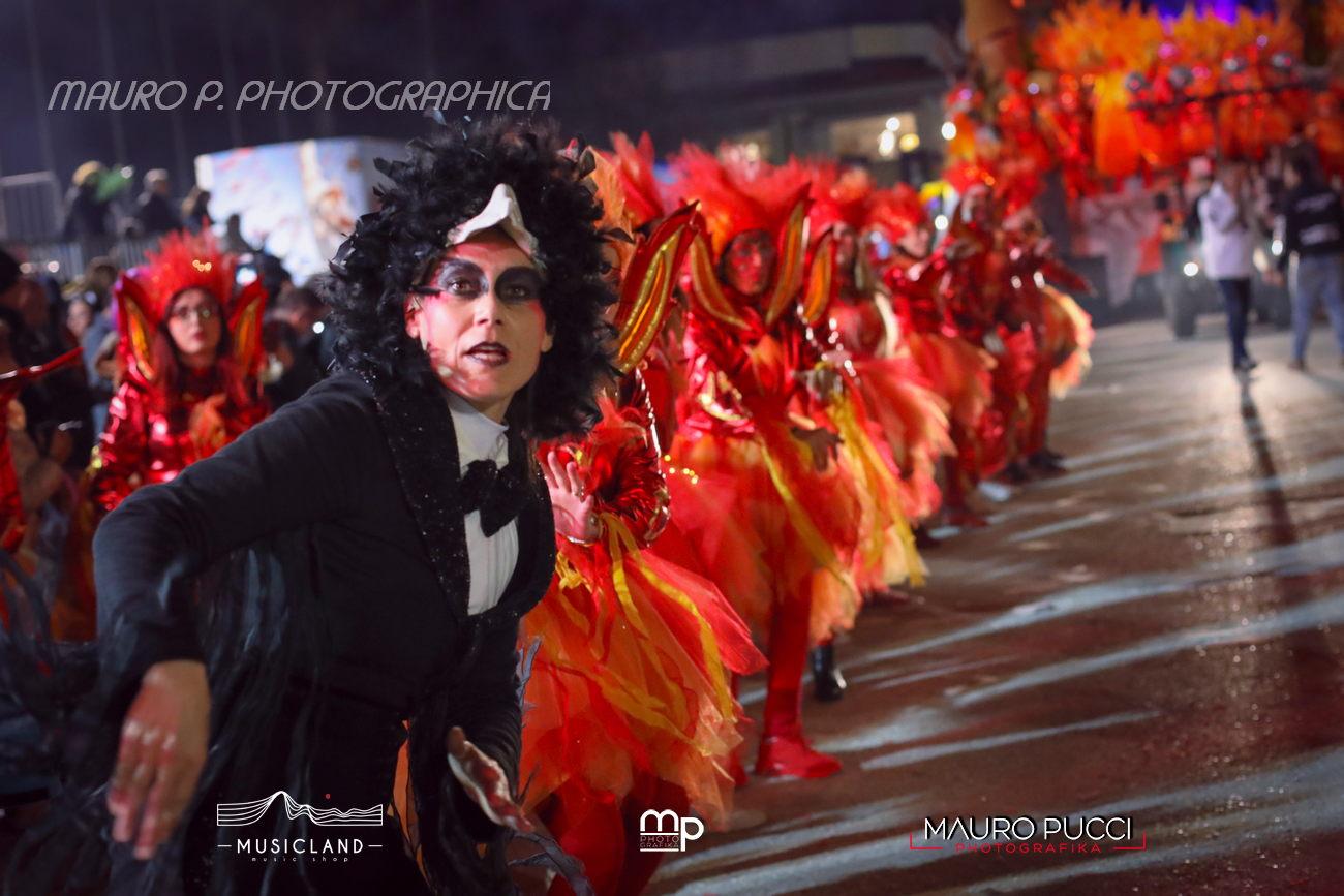 La magia del Carnevale al corso del giovedi grasso nei clic di Mauro Pucci