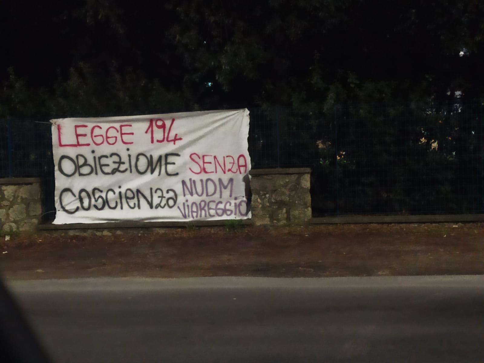 """Aborto, 2 soli non obiettori al Versilia: """"Giù le mani dai corpi e dalle libere scelte delle donne!"""""""""""