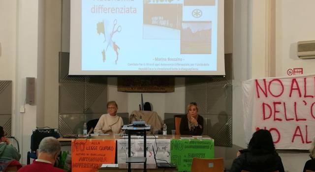 """""""Autonomia differenziata, se la conosci la eviti"""": in tanti all'assemblea"""