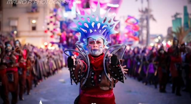 """Carnevale di Viareggio a settembre. """"Rendiamo omaggio ai Carnevali del mondo che non si sono potuti tenere"""""""
