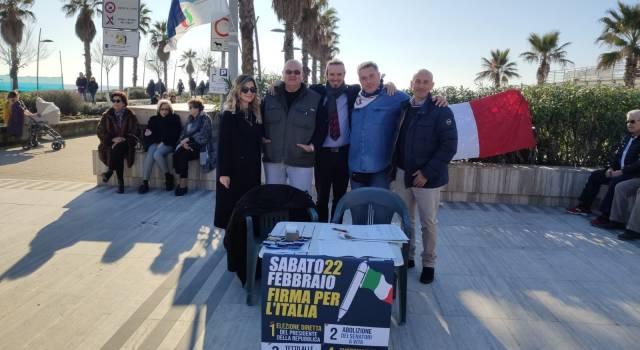 Lido di Camaiore: successo per la raccolta firme di Fratelli d'Italia