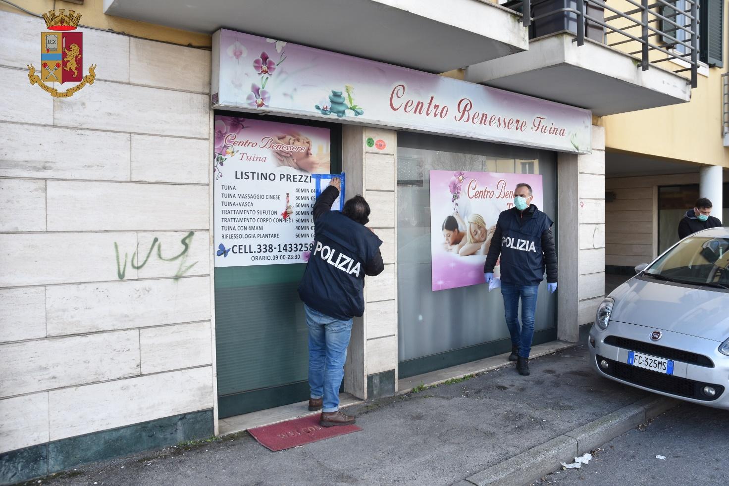 Sfruttamento della prostituzione, chiuso un centro massaggi a Viareggio: arrestata una donna