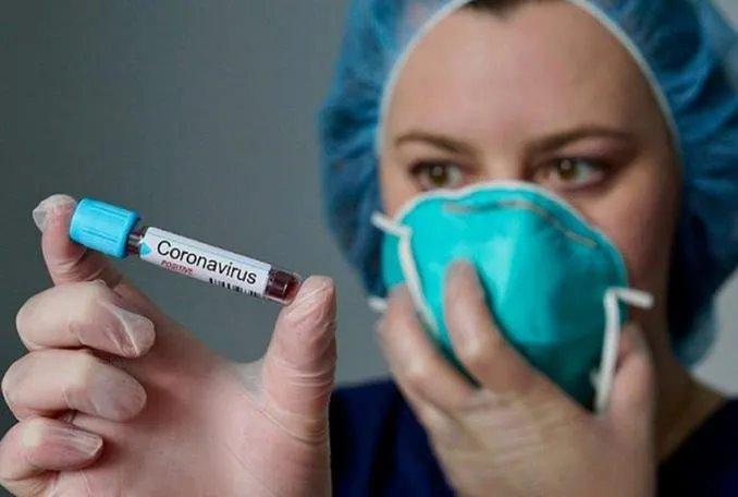 """Coronavirus in Italia, 91.246 i positivi. Oggi 525 decessi. Brusaferro: """"La curva ha raggiunto il picco, iniziata la discesa"""""""