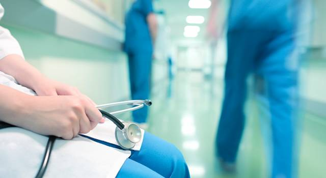 Coronavirus: quasi 6mila casi in un giorno in Italia e 41 morti. Schizzano le terapie intensive