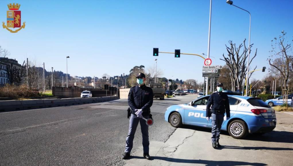 Covid 19, la Polizia controlla 100 persone a Viareggio, Camaiore e Massarosa