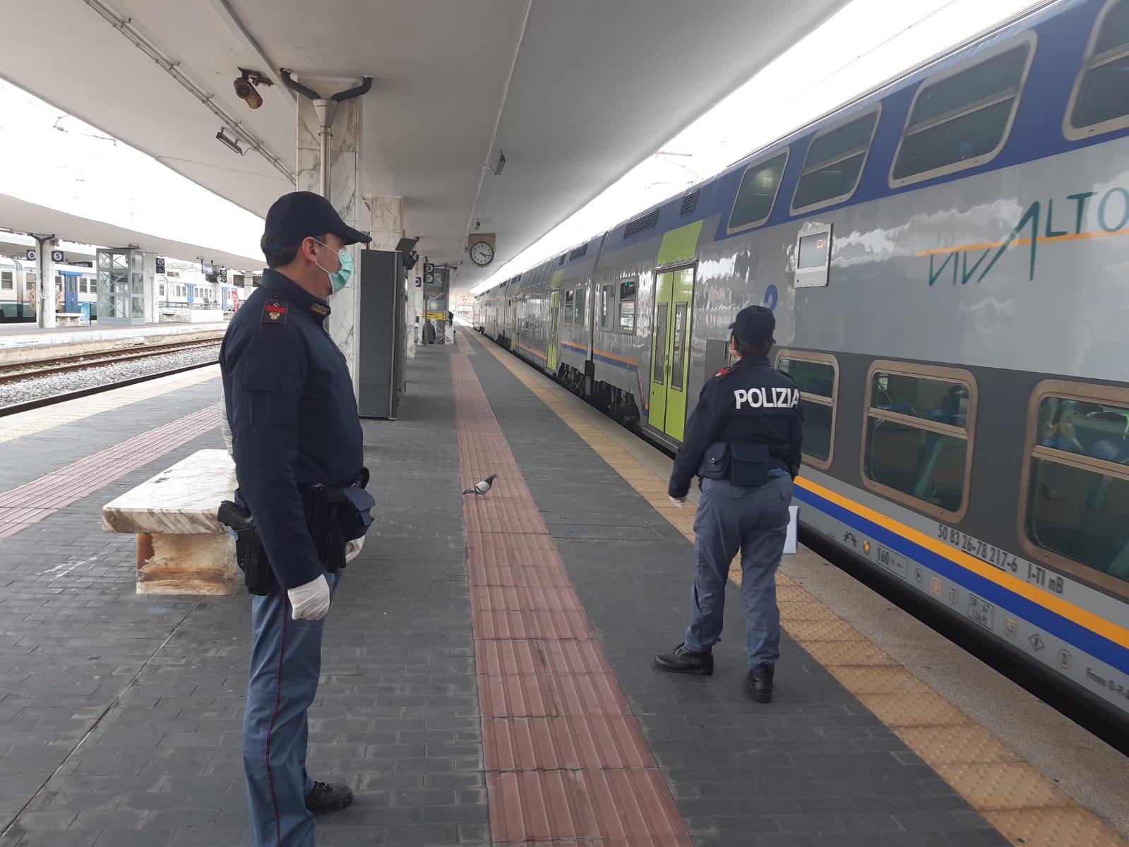 """Arrestati dalla Polizia di Stato due """"ricercati"""" nelle stazioni ferroviarie della Toscana"""