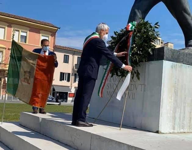 """25 aprile senza corona a Largo Risorgimento, il rammarico di Anpi. Il sindaco: """"Tutto chiarito, colpa del Coronavirus"""""""