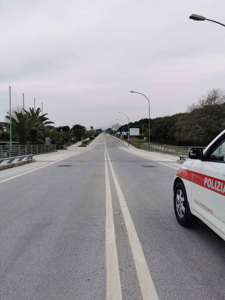 Emergenza sanitaria: 400 persone controllate nel ponte Pasquale a Pietrasanta,  24 hanno violato decreto #iorestoacasa