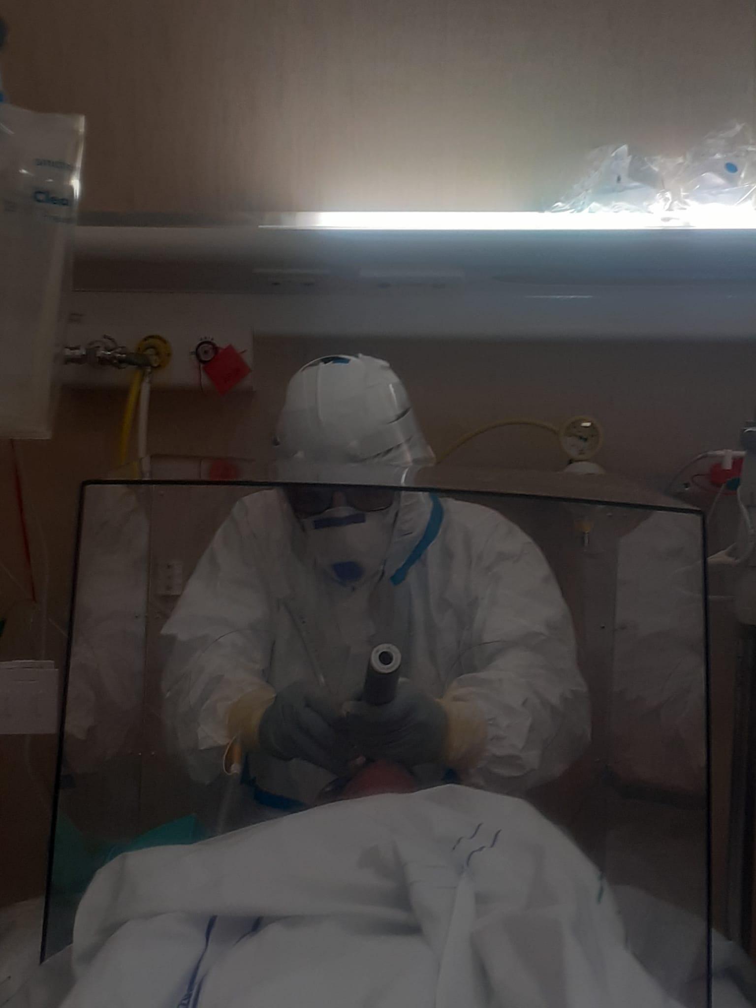 """La Rianimazione di Livorno ha un'arma in più nella lotta al contagio da Coronavirus, è la """"Aerosol Box"""""""