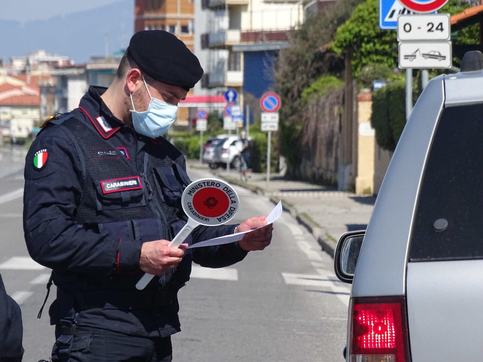 Lido di Camaiore: allaccio abusivo alla corrente elettrica, denunciato dai Carabinieri