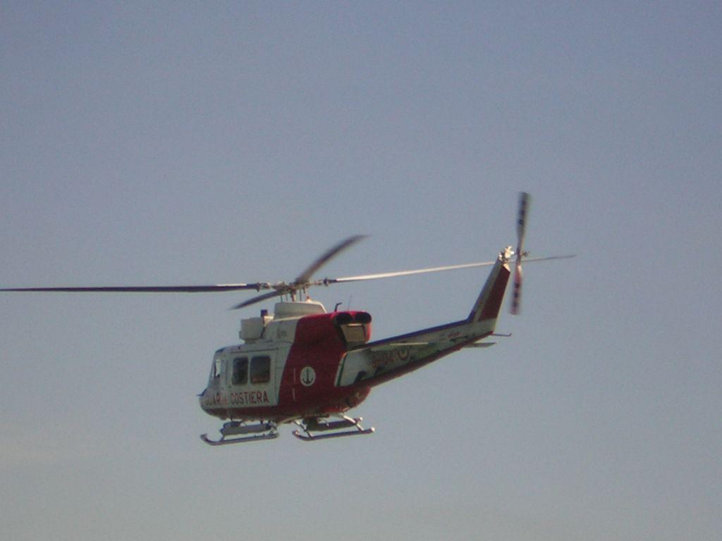 Pasqua blindata anche in mare, a Viareggio controlli della Capitaneria di Porto: un elicottero sorvolerà la costa