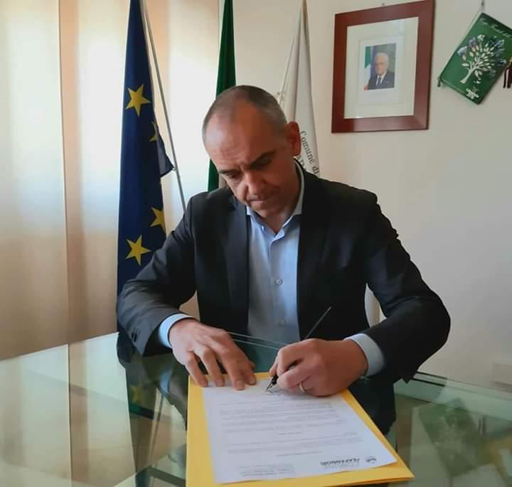 """Coronavirus, il presidente della Provincia di Lucca scrive a Conte: """"Non si possono tenere chiuse le attività fino al 1 giugno, il Governo cambi programma in fretta"""""""