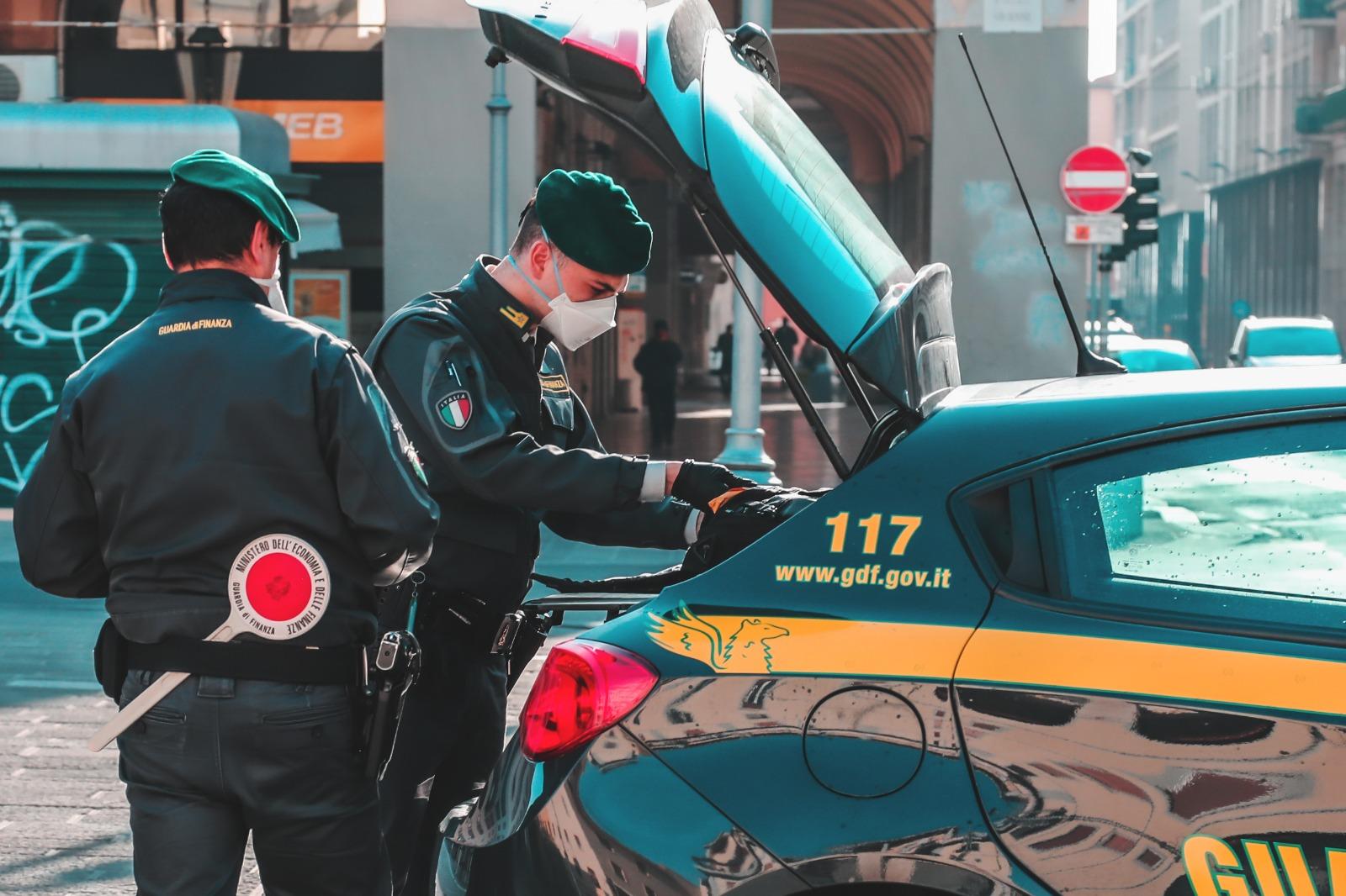 """""""Mani in pasta"""", durissimo colpo a Cosa Nostra: 91 arresti: blitz della GdF anche in Toscana"""
