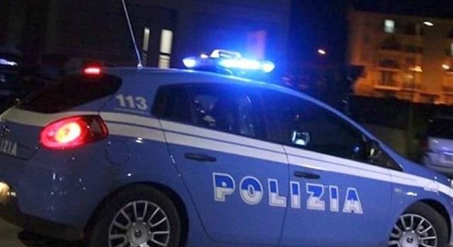 Aggressione e furto in osteria, arrestato dopo una fuga in centro