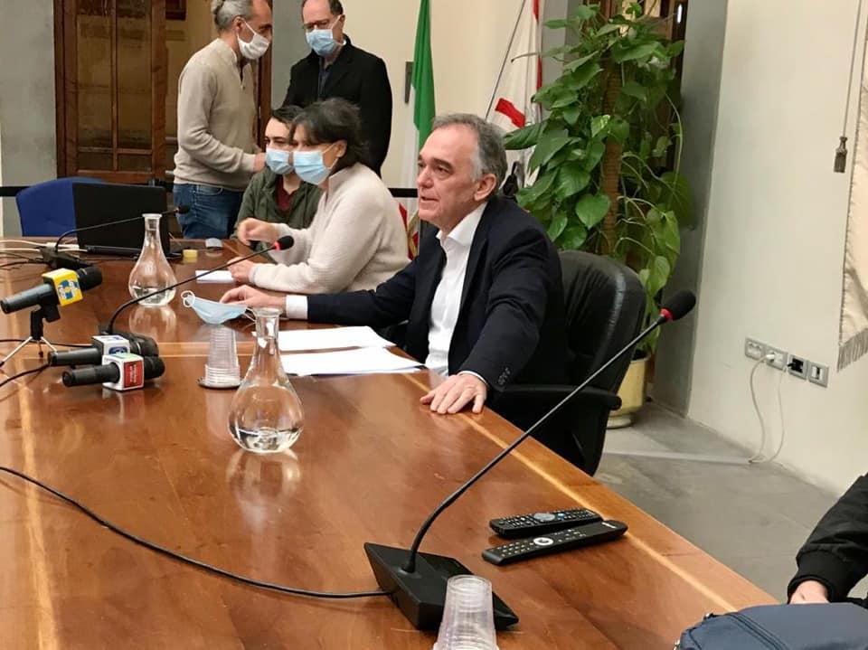 """""""Testare, trattare, tracciare"""", in Toscana screening di massa: test sierologici anche su richiesta del medico di famiglia"""