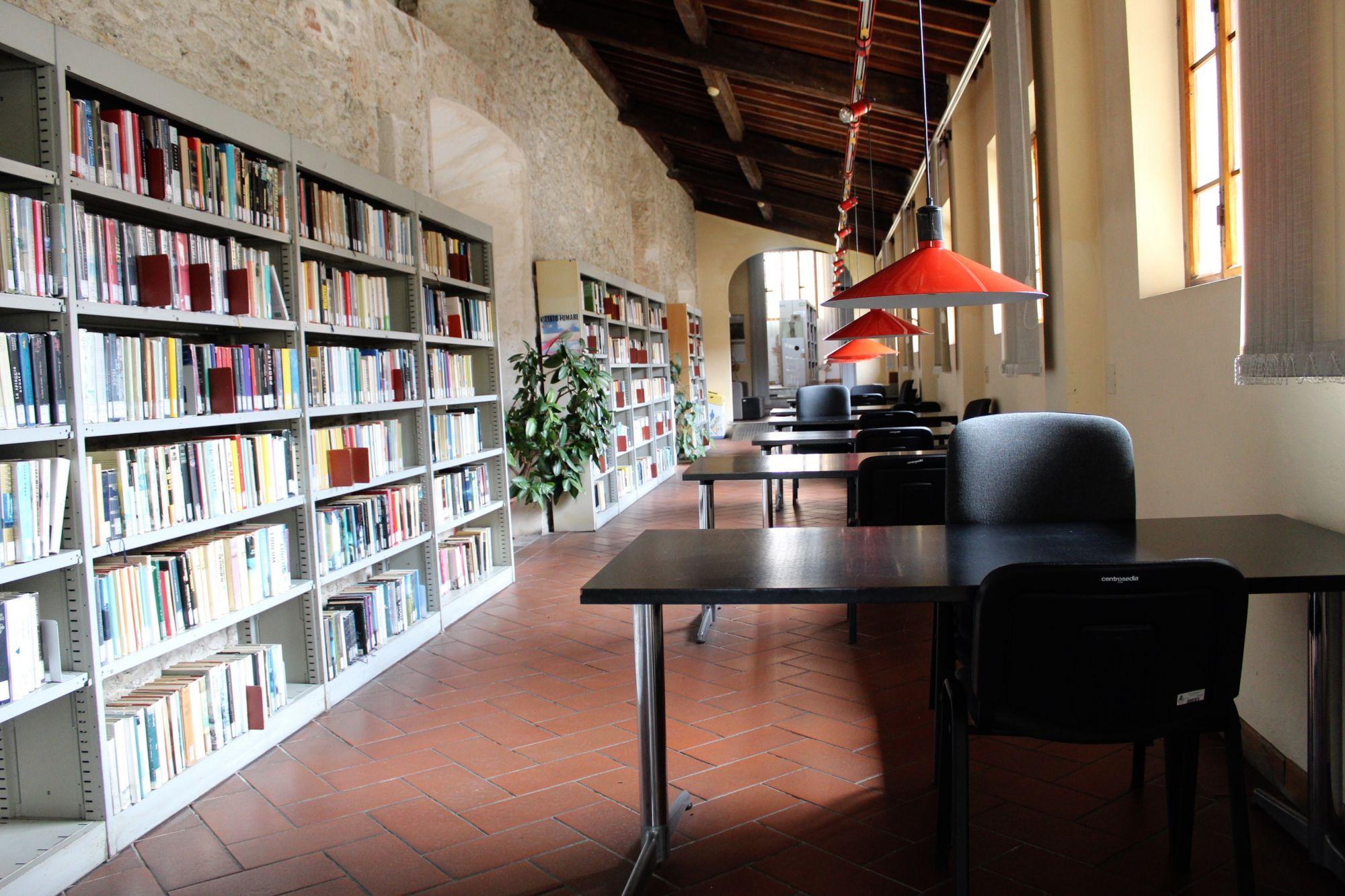 Riaperta la Biblioteca Carducci di Pietrasanta