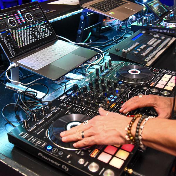 Musica, un corso on line per diventare DJ
