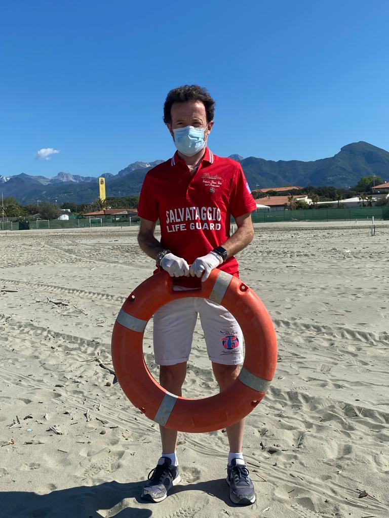 Protesta sulle spiagge per la mancata apertura per la fase 2