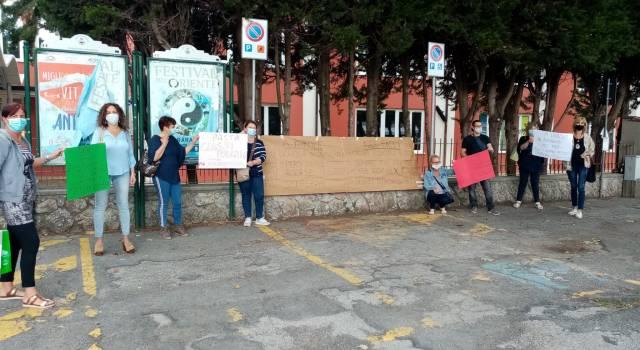 Didattica a distanza, presidio di protesta anche a Piano di Conca