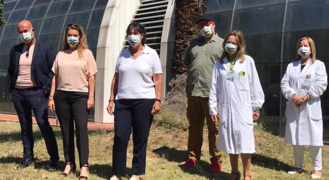 Coronavirus, donate al Meyer mille mascherine con i supereroi più amati dai bambini