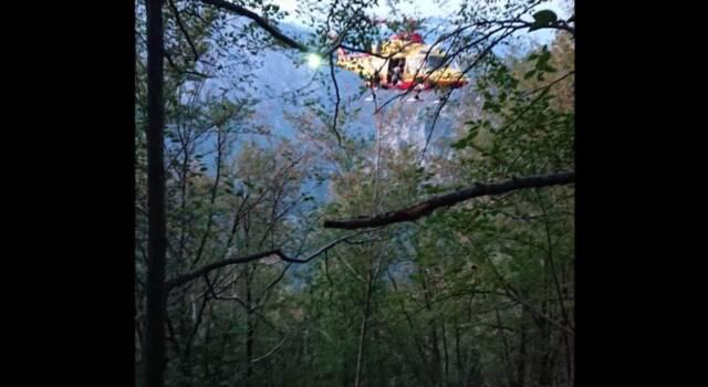 Precipita per 15 metri sul monte Pania, intervento del Soccorso Alpino