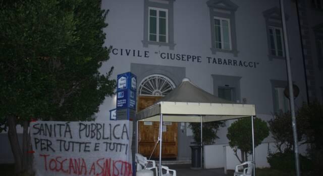 """Toscana a sinistra per una sanità pubblica: """"Abbiamo appeso striscioni nei 4 ospedali dismessi"""""""