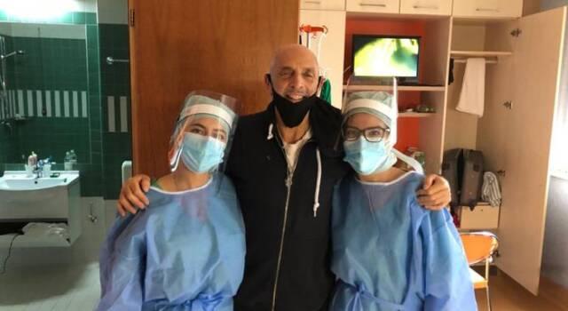 """Paolo Brosio guarito dal Coronavirus: """"Dobbiamo imparare a convivere con questa malattia che non si vede e non si sente, non si tocca, ma colpisce a tradimento i più deboli"""""""
