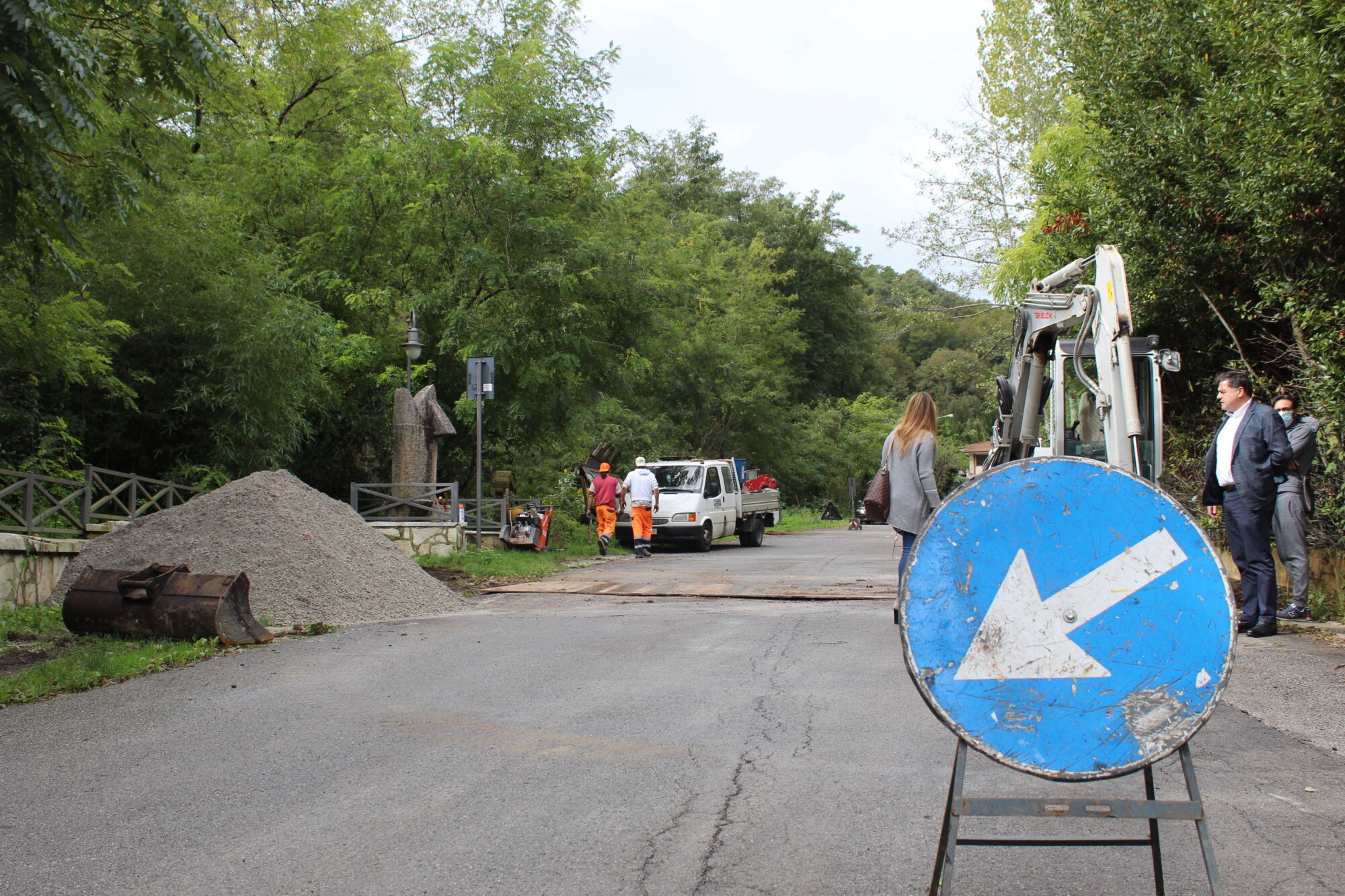 Partito l'atteso intervento di messa in sicurezza ed asfaltatura di via Casone a Strettoia