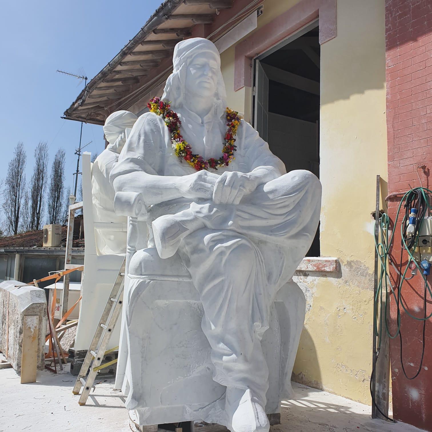 Progettata a Pietrasanta la scultura diventa star del web
