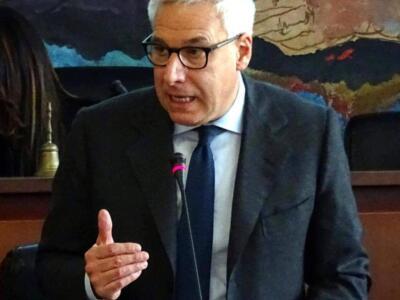Covid, il sindaco di Viareggio chiede una riforma delle imposte tributarie