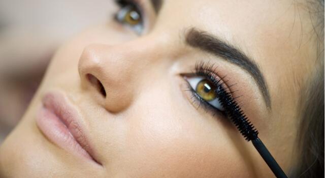 Il mascara: cosmetico immancabile nel tuo beauty case!