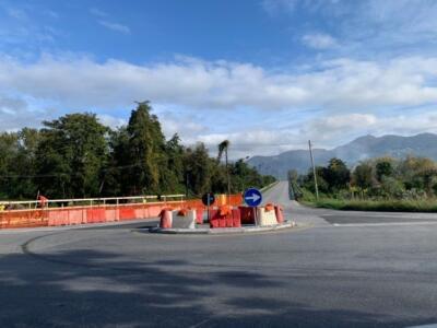 Forte dei Marmi, chiude per lavori il cavalcavia di via Giglioli